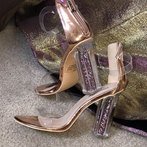 BRAND NEW! Rose Gold Cape Robbin heels size 8